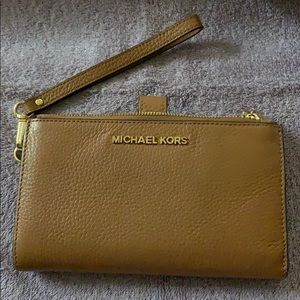 Michael Kors medium wristlet